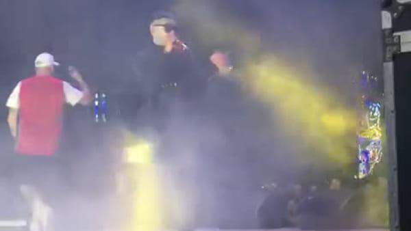 Un rapper casertano sul palco con Clementino | VIDEO