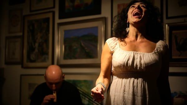Il 'Teatro cerca Casa' con i canti delle antiche comunità contadine