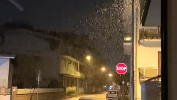 San Valentino sotto la neve a Caserta | VIDEO