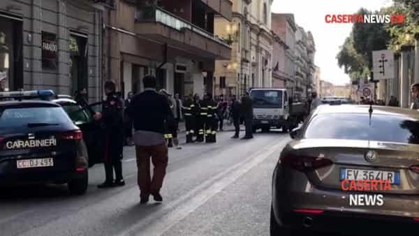 Colpo alle Poste in centro, rapinatori in fuga con 170mila euro | VIDEO