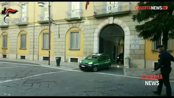 Ruspe scavano accanto alla Variante: i carabinieri fanno scoperta choc | VIDEO