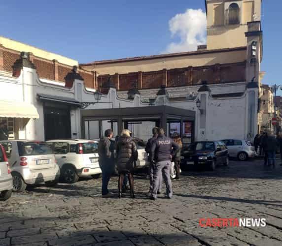 polizia piazza municipio aversa-2